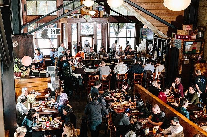 800px-21st_Amendment_Brewerys_San_Francisco_Pub