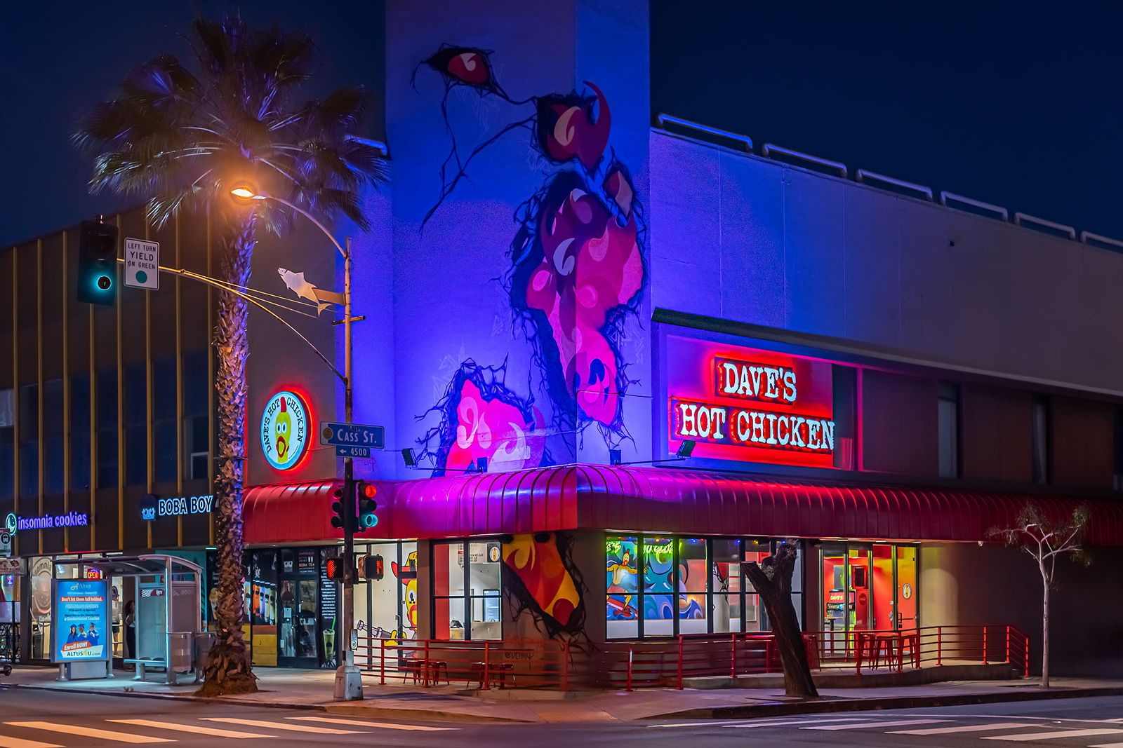 Daves-Hot-Chicken-Brings-the-Heat-to-San-Diego-with-New-Pacific-Beach-Location